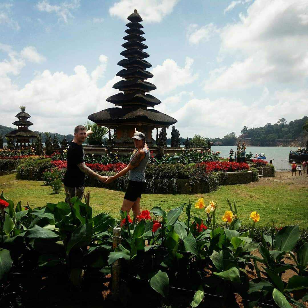 bali combination tour packages - bedugul lake temple